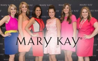 "Mary Kay's ""Suits For Shelters"" Helps Women In Need With New Outfit And Fresh Start"
